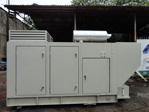 Máy phát điện Komatsu 450KVA